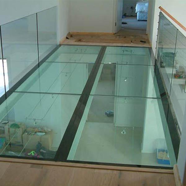 کف کاذب شیشه ای