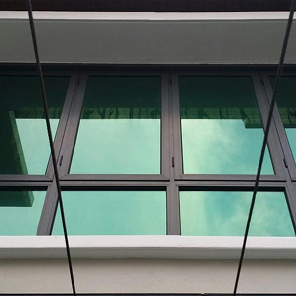 شیشه رفلکس سبز