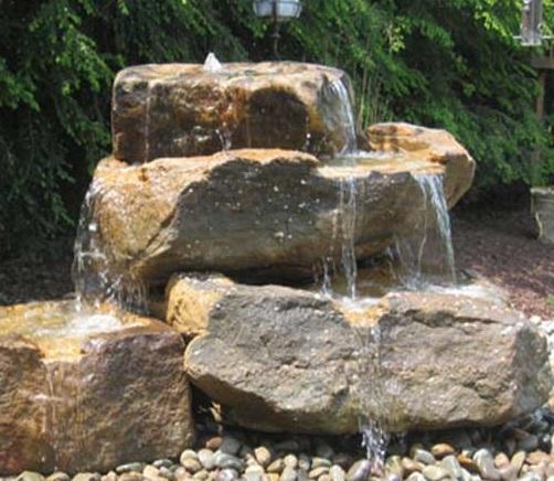 آبنما باغی و صخره ای